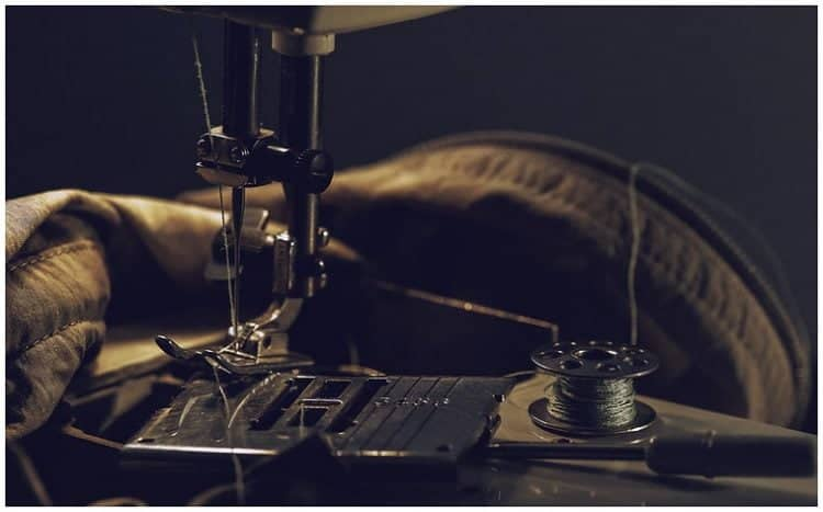 How to Change Sewing Machine Needle
